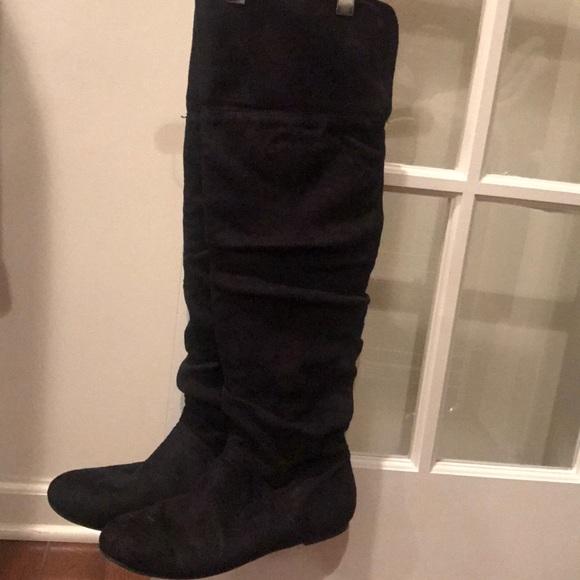 4e6eb0e83a0 Soft comfortable flat heel-black boot. M 5a54159ca4c4858bdb02c8b8